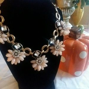 Beautiful STATEMENT Necklace....